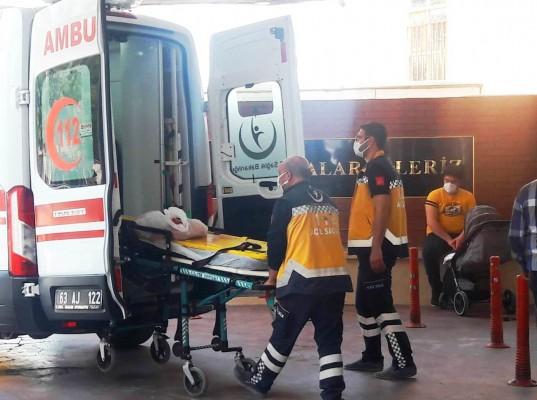 Bozova'da otomobil ile kamyon çarpıştı: 3 yaralı
