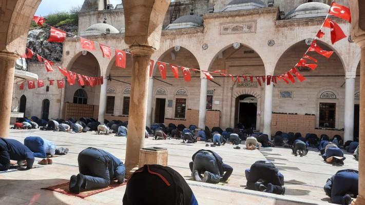 Ramazan ayının ilk cuma namazı kılındı