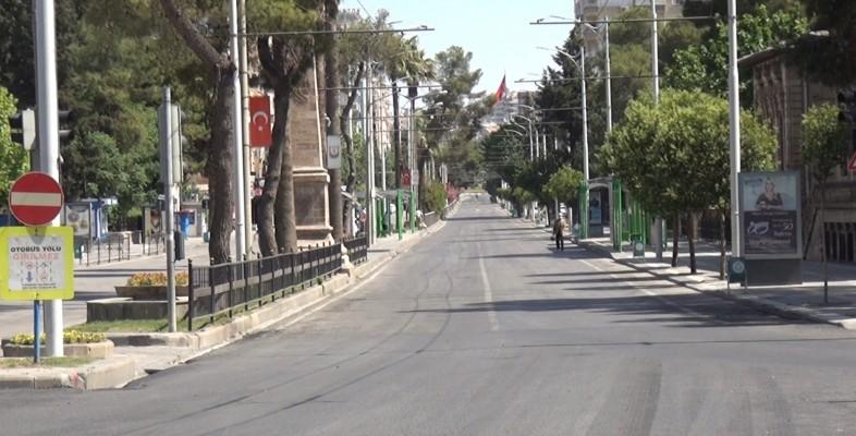 Ramazan Bayramı'nda cadde ve sokaklar boş kaldı