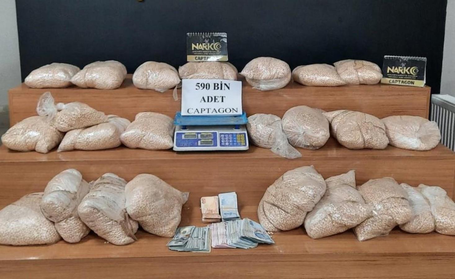 Şanlıurfa'da 590 bin adet uyuşturucu hap ele geçirildi