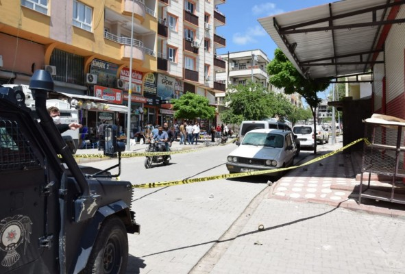 Urfa'da taşlı-sopalı kavga: 6 yaralı