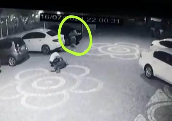 Urfa'da Avukat ve kardeşinin vurulma anı! (Tıkla izle)