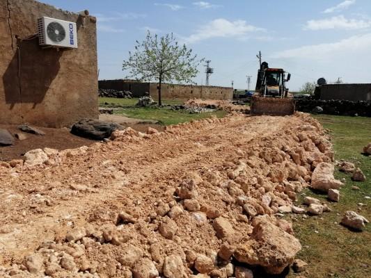Viranşehir kırsalında yol çalışması sürüyor